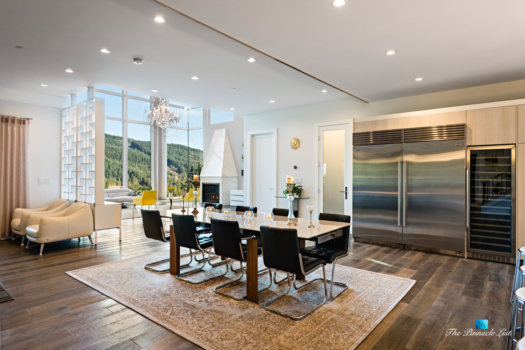 Modern West Coast Contemporary Home - 1083 Uplands Dr, Anmore, BC, Canada - Kitchen Table