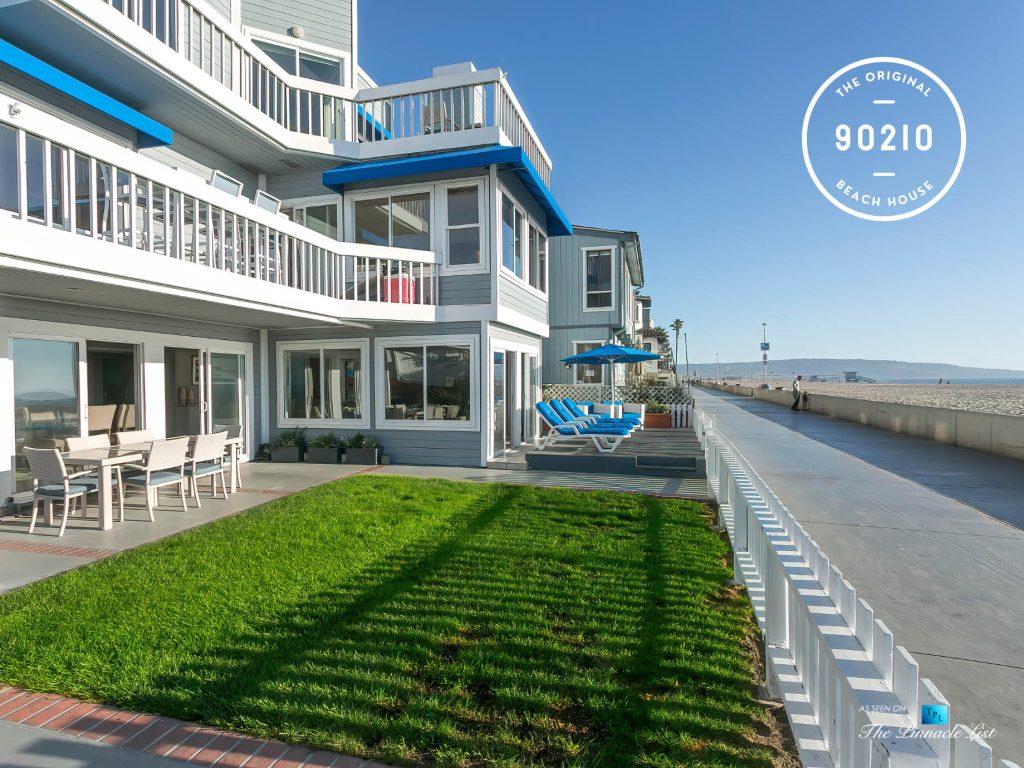The Original 90210 Beach House - 3500 The Strand, Hermosa Beach, CA, USA - The Strand View