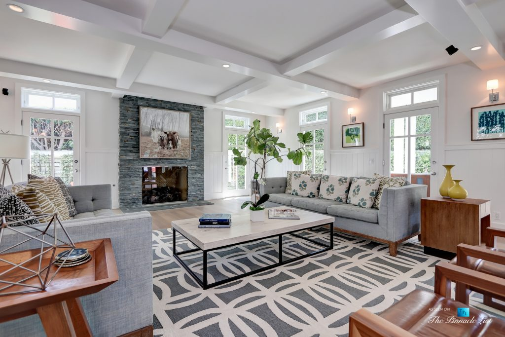Tree Section Modern Farmhouse - 570 27th Street, Manhattan Beach, CA, USA - Living Room