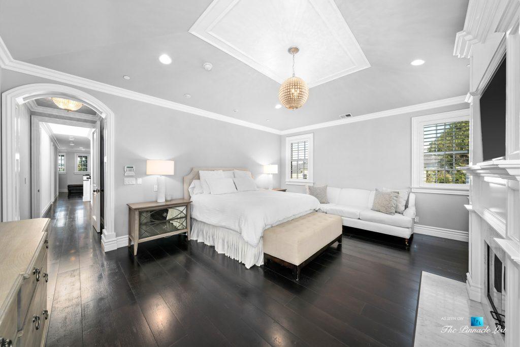 1412 Laurel Ave, Manhattan Beach, CA, USA - Master Bedroom