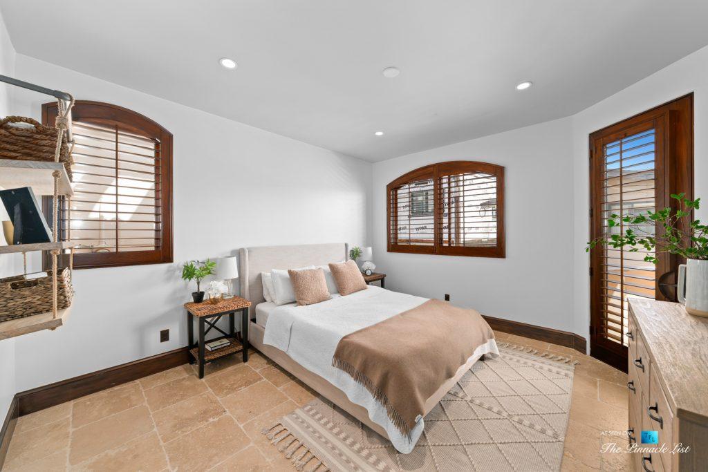 216 7th St, Manhattan Beach, CA, USA - Luxury Real Estate - Coastal Villa Home - Guest Bedroom