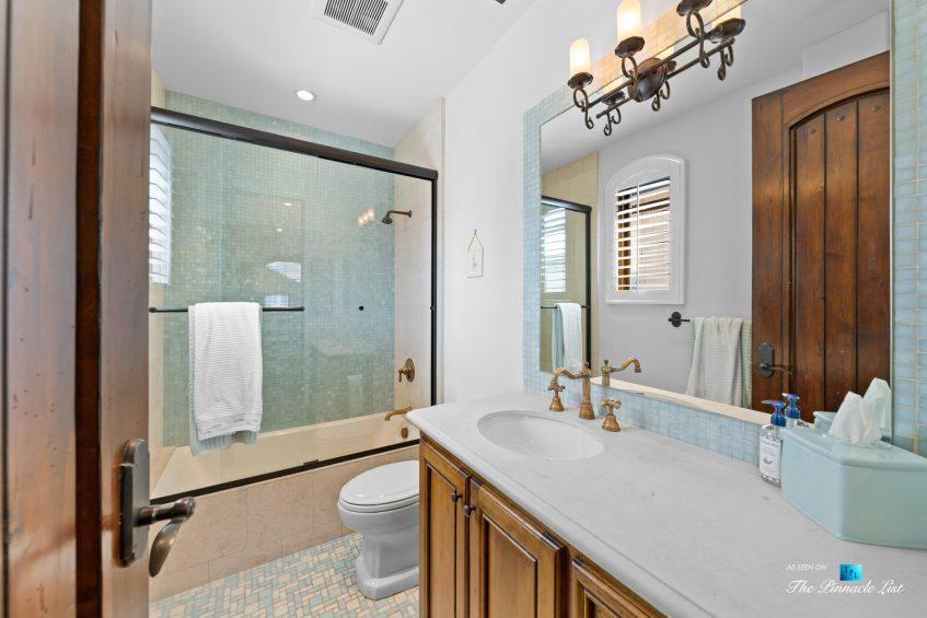 216 7th St, Manhattan Beach, CA, USA - Luxury Real Estate - Coastal Villa Home - Bathroom