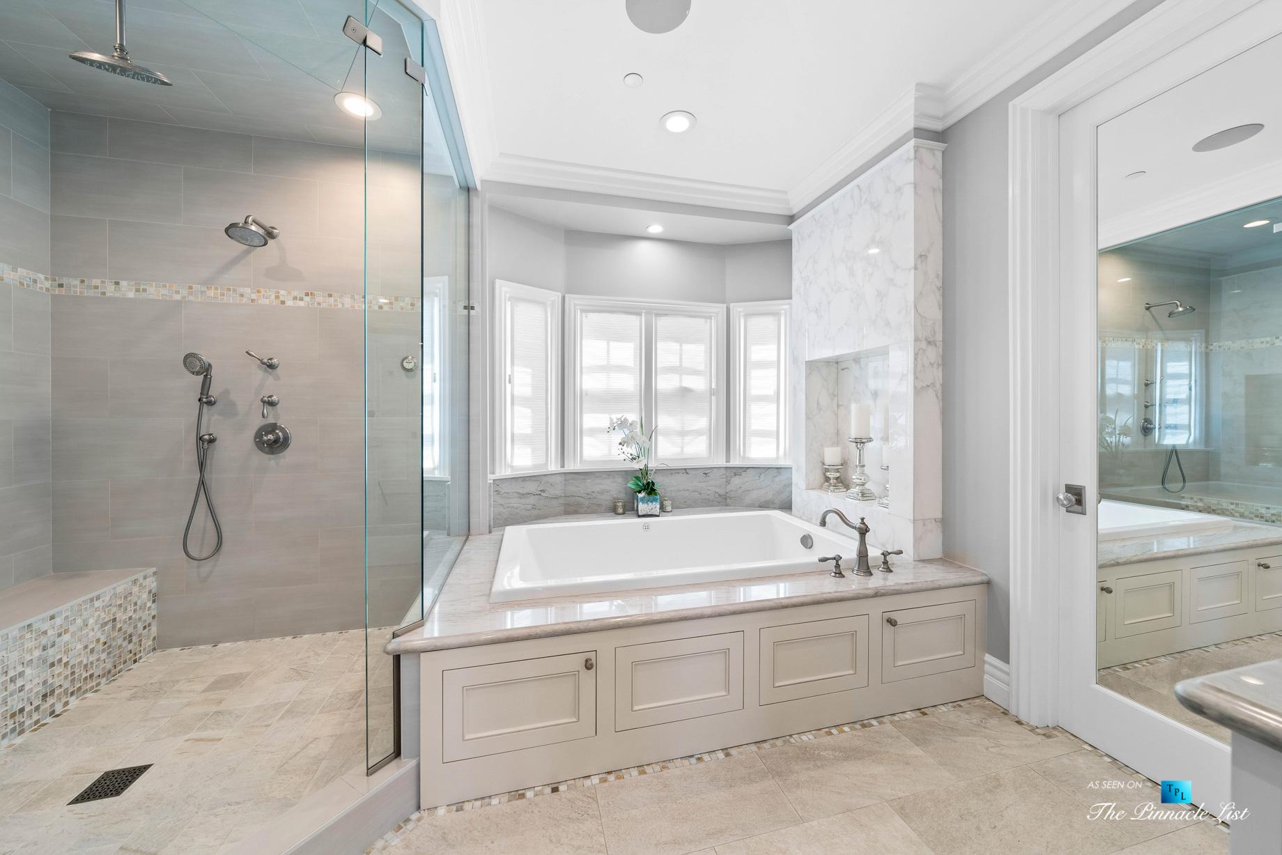 1412 Laurel Ave, Manhattan Beach, CA, USA – Master Bathroom Shower and Tub