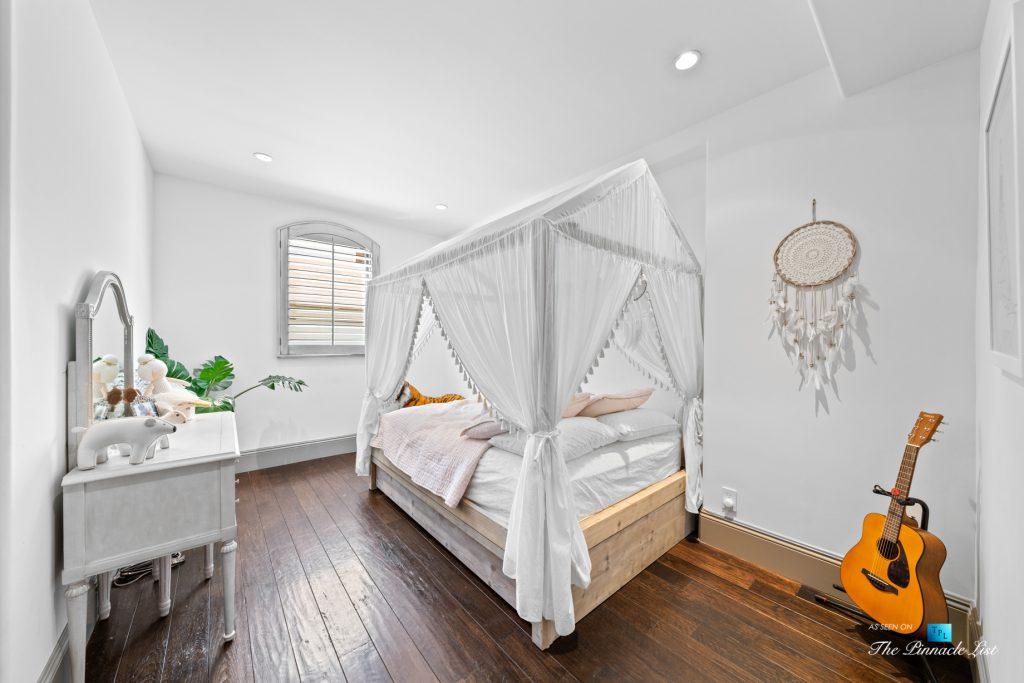 216 7th St, Manhattan Beach, CA, USA - Luxury Real Estate - Coastal Villa Home - Bedroom