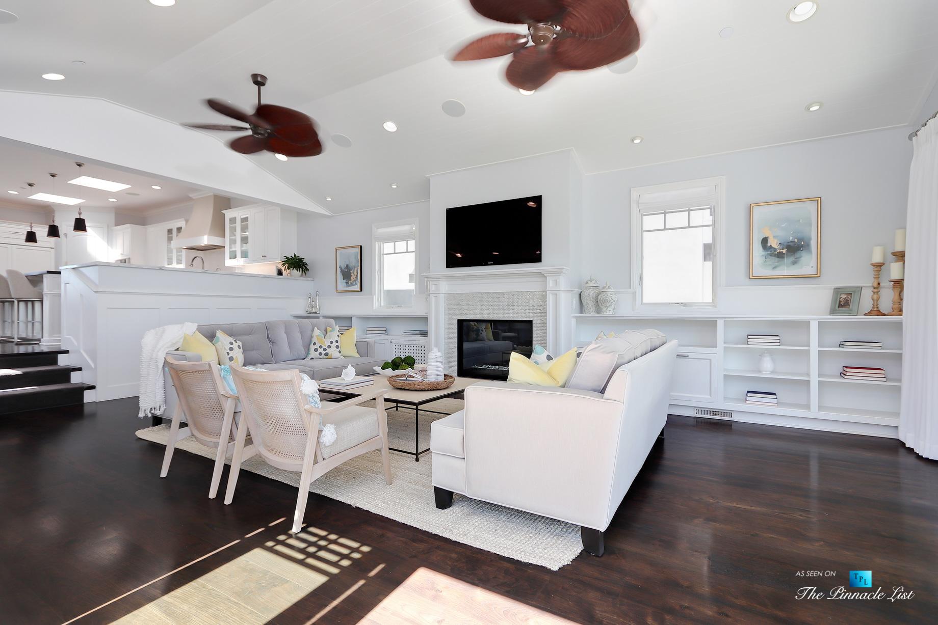 Coastal Oceanview Luxury Retreat – 125 8th St, Manhattan Beach, CA, USA – Living Room