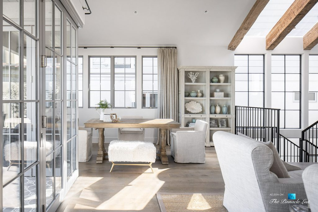 Exquisite Luxury Walk Street Home - 220 8th St, Manhattan Beach, CA, USA - Sitting Area
