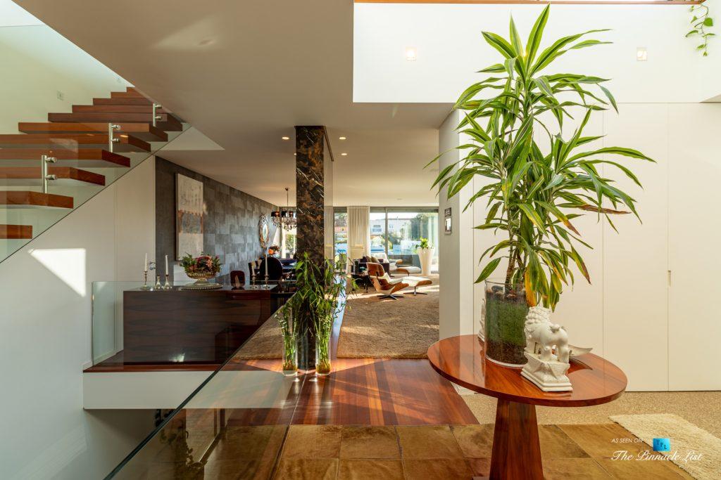 Francelos Beach T5 Luxury Villa - Vila Nova de Gaia, Porto, Portugal - Entrance Foyer