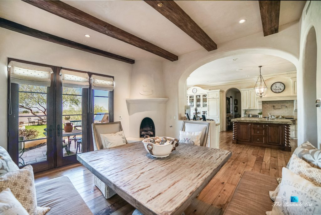 Spanish Colonial Biltmore Mountain Estate - 6539 N 31st Pl, Phoenix, AZ, USA - Kitchen Table