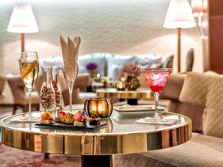 Tschuggen Grand Luxury Hotel - Arosa, Switzerland - Bar