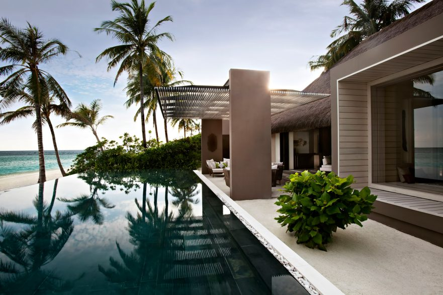 Cheval Blanc Randheli Luxury Resort - Noonu Atoll, Maldives - Infinity Pool