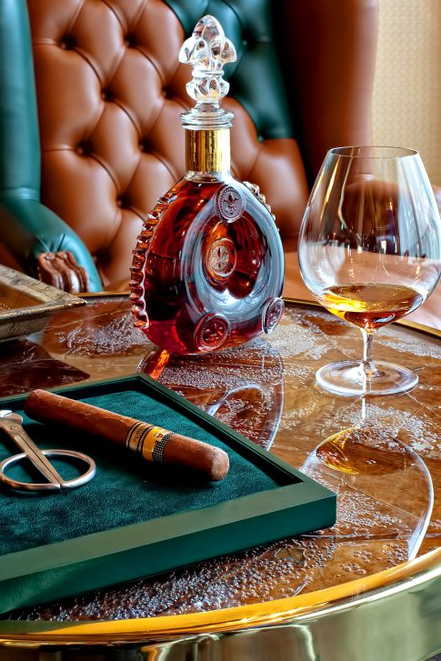 Tschuggen Grand Luxury Hotel - Arosa, Switzerland - Cigar Lounge