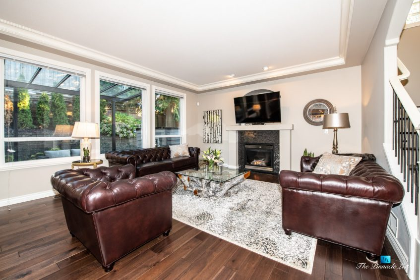 2366 Sunnyside Rd, Anmore, BC, Canada - Living Room