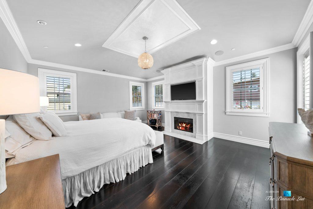 Authentic East Coast Cape Cod Style Home - 1412 Laurel Ave, Manhattan Beach, CA, USA - Master Bedroom