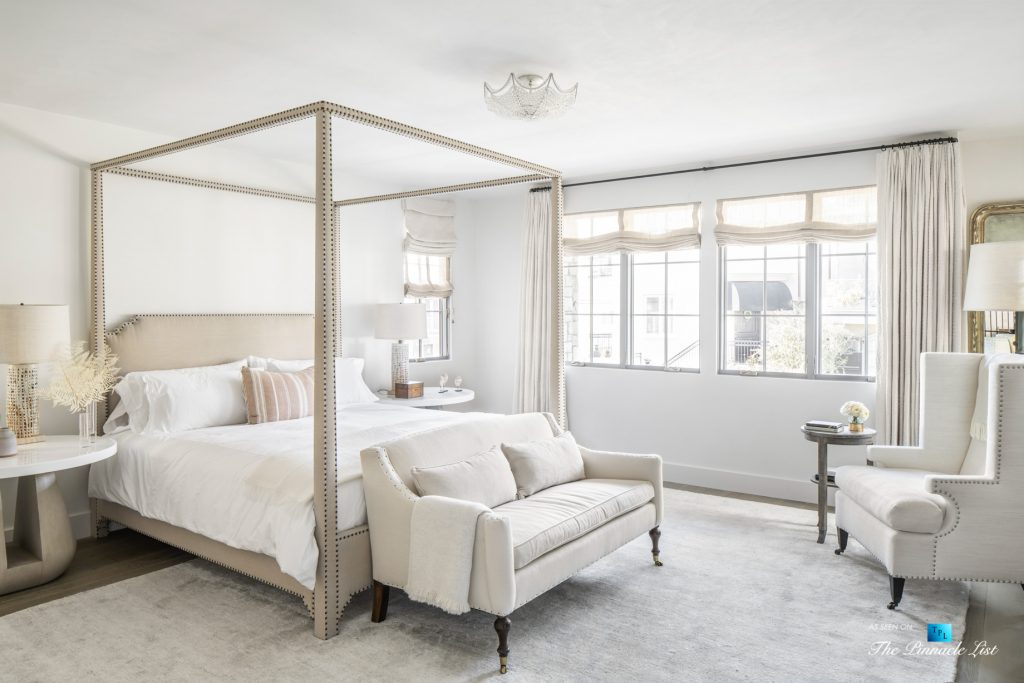 Exquisite Luxury Walk Street Home - 220 8th St, Manhattan Beach, CA, USA - Master Bedroom