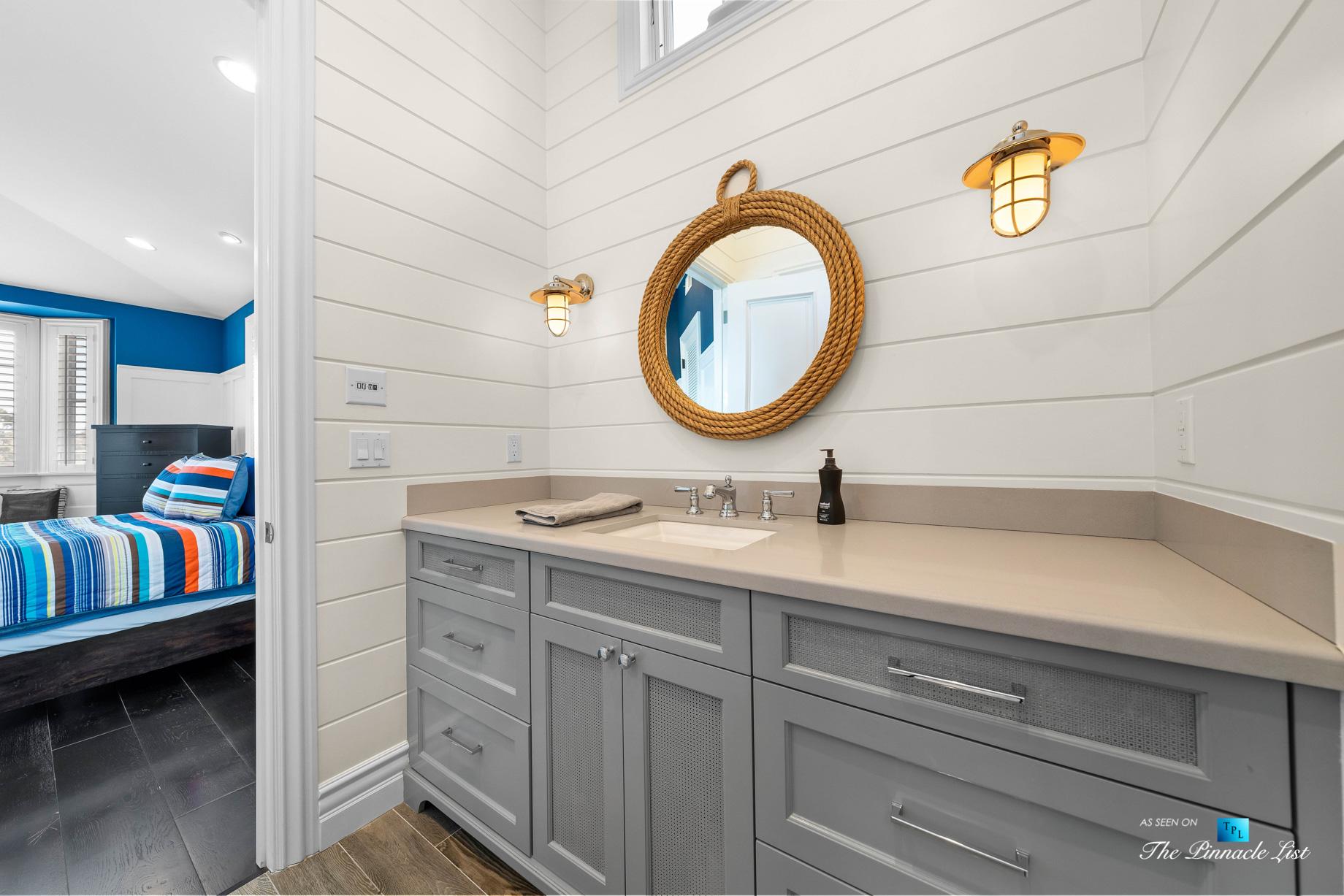 1412 Laurel Ave, Manhattan Beach, CA, USA – Bathroom