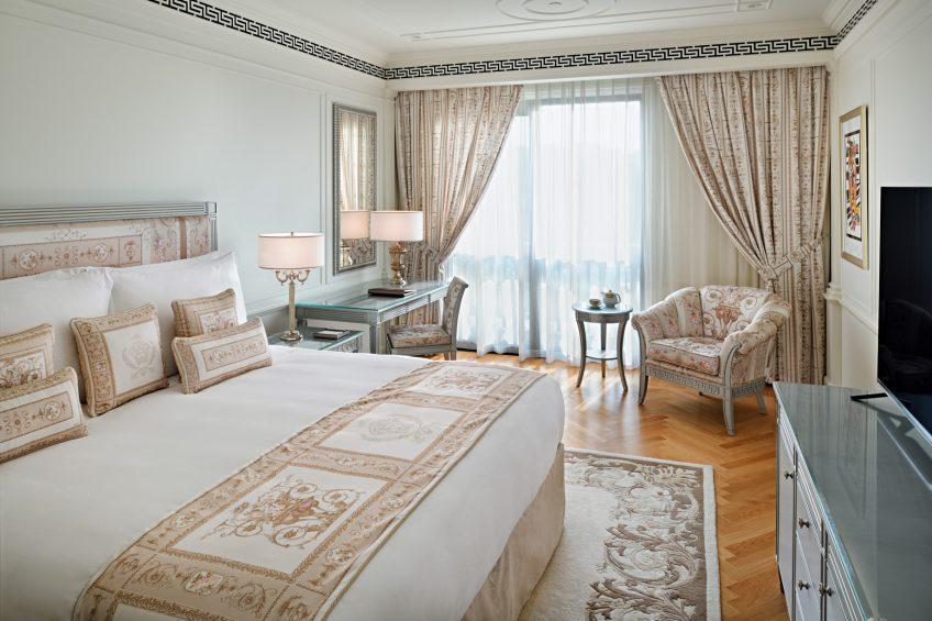 Palazzo Versace Dubai Hotel - Jaddaf Waterfront, Dubai, UAE - 2 Bedroom Residence Bedroom