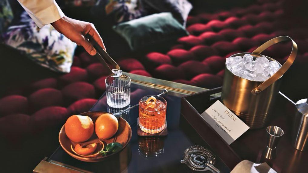 Regent Shanghai Pudong Luxury Hotel - Shanghai, China - Evening Drinks