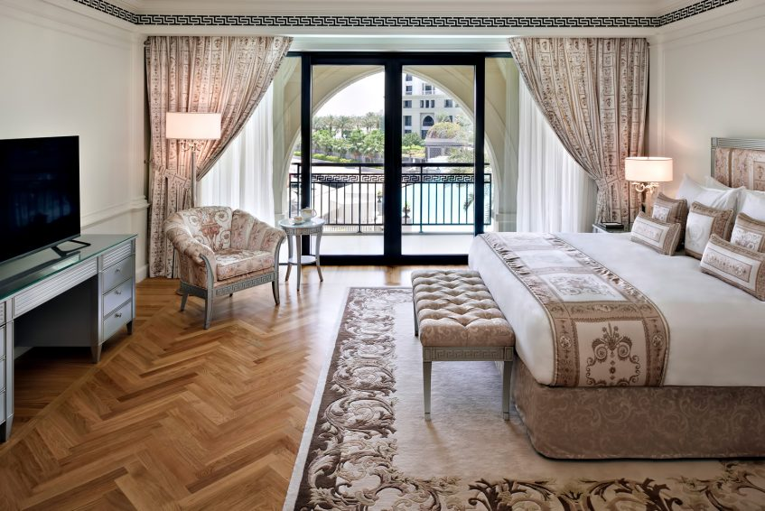 Palazzo Versace Dubai Hotel - Jaddaf Waterfront, Dubai, UAE - 3 Bedroom Residence Bedroom
