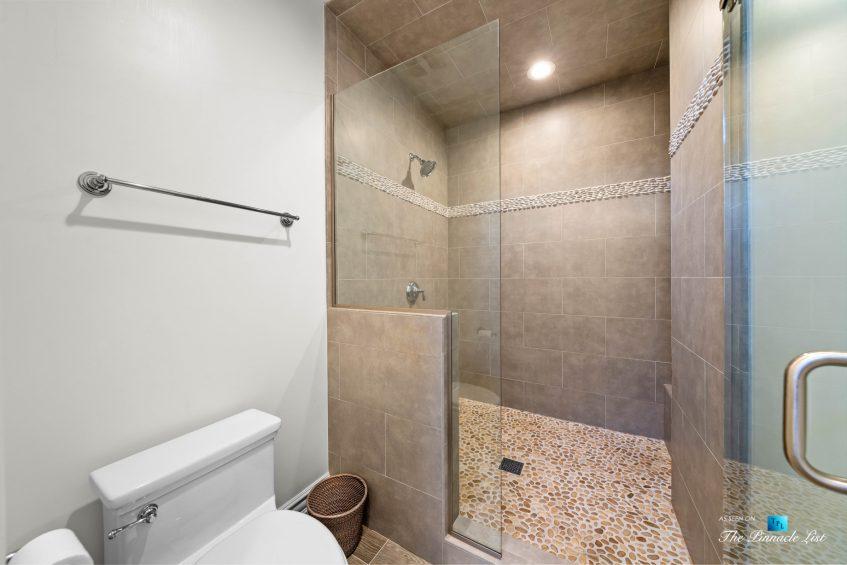 1412 Laurel Ave, Manhattan Beach, CA, USA - Bathroom Shower