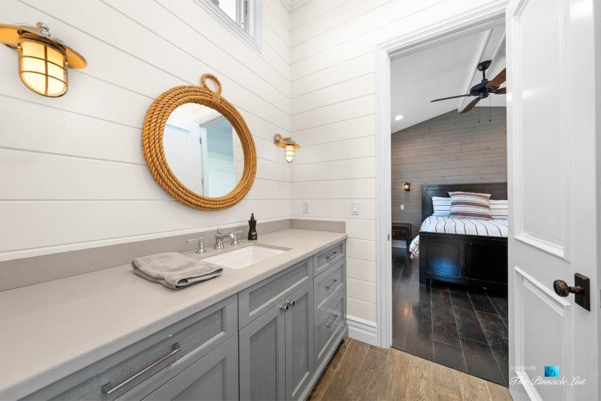 1412 Laurel Ave, Manhattan Beach, CA, USA - Bathroom