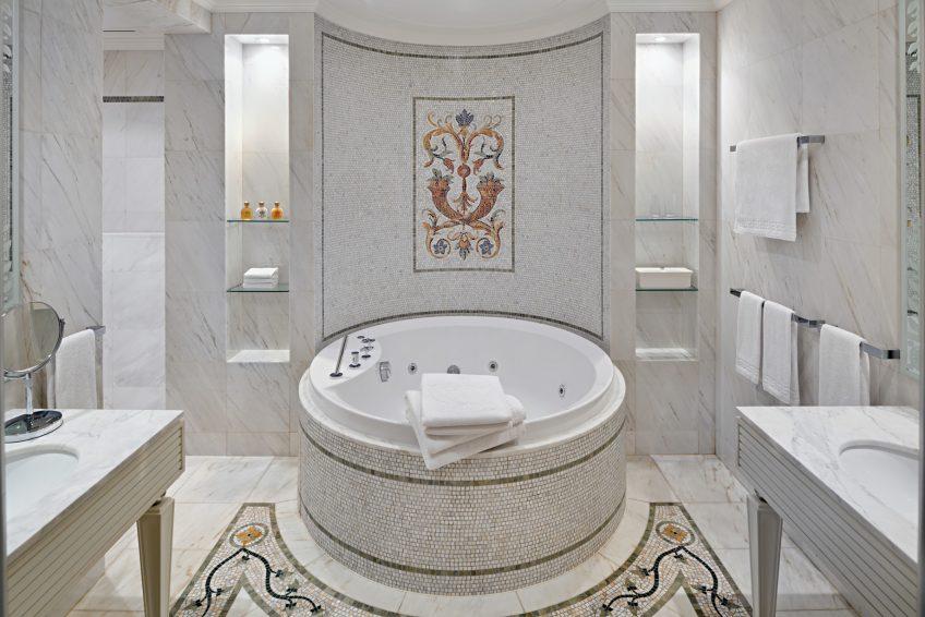 Palazzo Versace Dubai Hotel - Jaddaf Waterfront, Dubai, UAE - 3 Bedroom Residence Bathroom