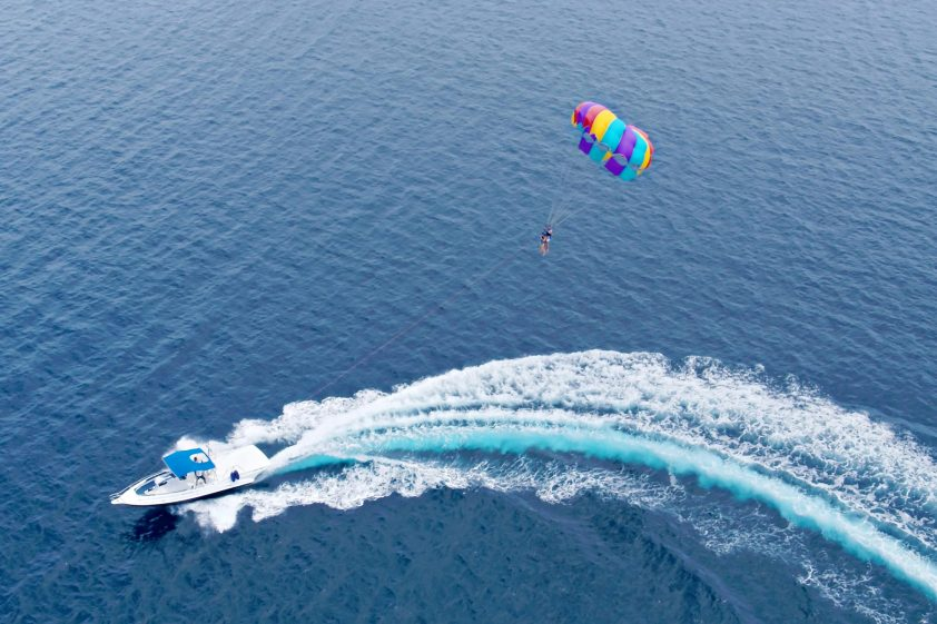 W Maldives Luxury Resort - Fesdu Island, Maldives - Parasailing