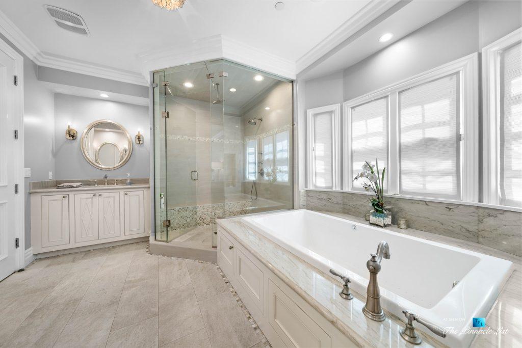 Authentic East Coast Cape Cod Style Home - 1412 Laurel Ave, Manhattan Beach, CA, USA - Master Bathroom
