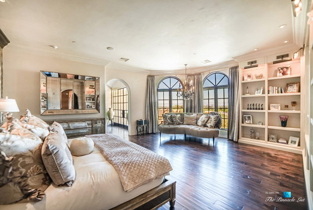 Spanish Colonial Biltmore Mountain Estate - 6539 N 31st Pl, Phoenix, AZ, USA - Master Bedroom