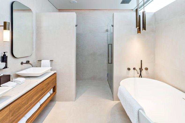 InterContinental Hayman Island Resort - Whitsunday Islands, Australia - Hayman Beach House Bathroom