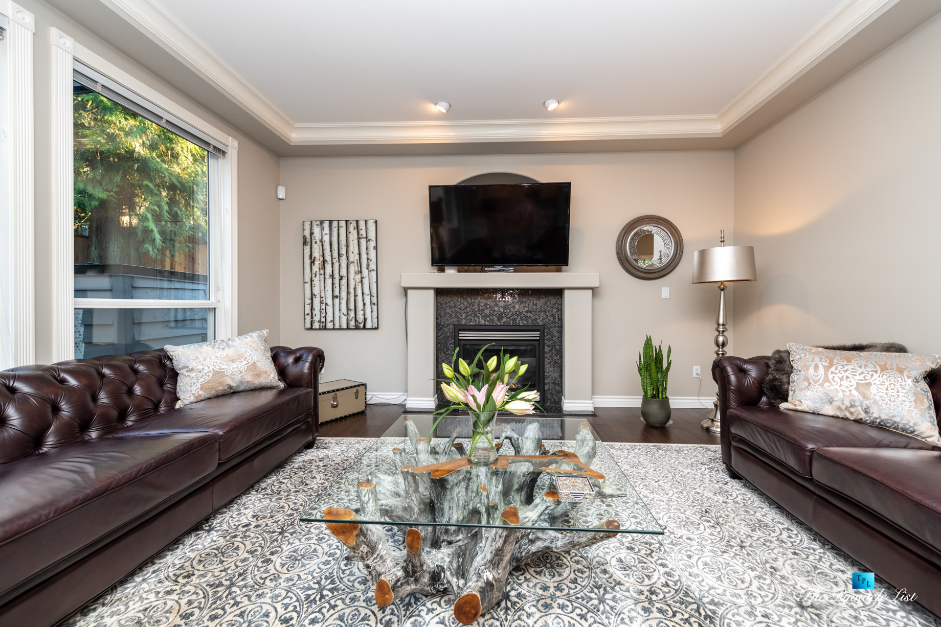2366 Sunnyside Rd, Anmore, BC, Canada - Living Room Fireplace