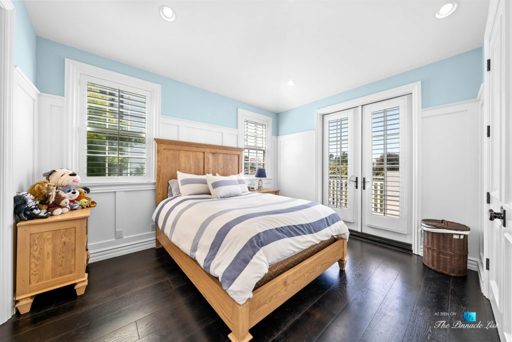 Authentic East Coast Cape Cod Style Home - 1412 Laurel Ave, Manhattan Beach, CA, USA - Bedroom