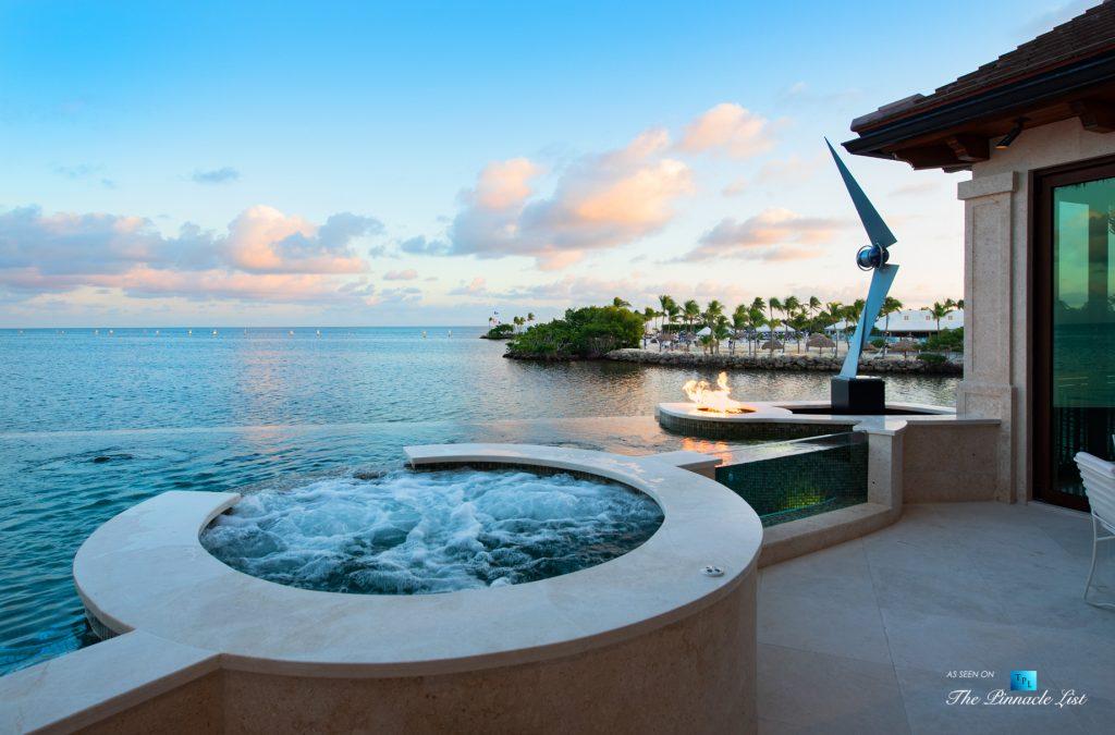 Ocean Reef Club Luxury Estate - 103 Andros Rd, Key Largo, FL, USA - Hot Tub and Infinity Pool