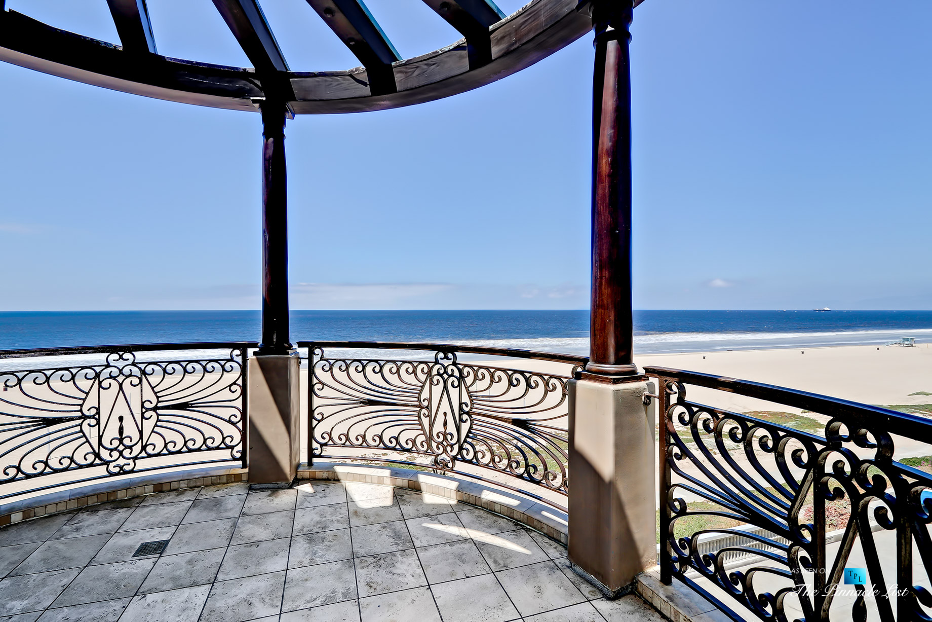 Ultimate California Luxury Living - 1920 The Strand, Manhattan Beach, CA, USA - Ocean View Deck
