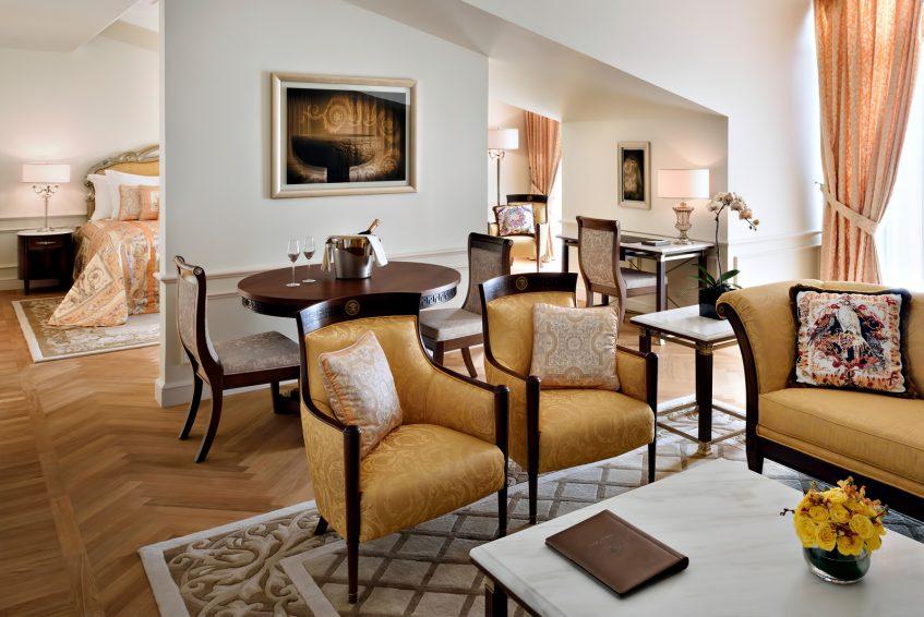 Palazzo Versace Dubai Hotel - Jaddaf Waterfront, Dubai, UAE - Permiere Versace Club Room Living Area