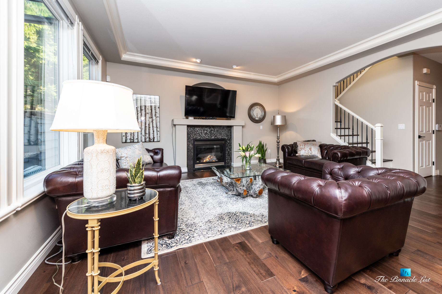 2366 Sunnyside Rd, Anmore, BC, Canada – Living Room Fireplace