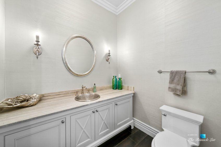 1412 Laurel Ave, Manhattan Beach, CA, USA - Entry Bathroom