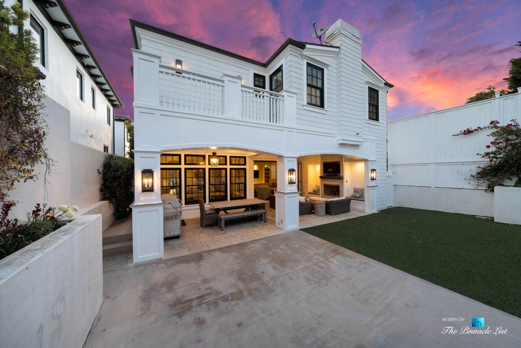 1412 Laurel Ave, Manhattan Beach, CA, USA - Backyard Twilight