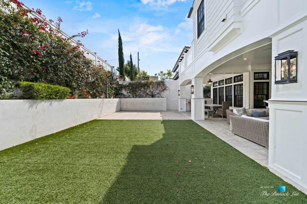 Authentic East Coast Cape Cod Style Home - 1412 Laurel Ave, Manhattan Beach, CA, USA - Backyard