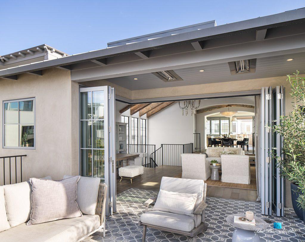 Exquisite Luxury Walk Street Home - 220 8th St, Manhattan Beach, CA, USA - Private Outdoor Deck