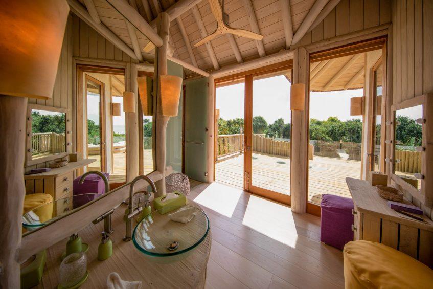 Soneva Jani Luxury Resort - Noonu Atoll, Medhufaru, Maldives - 2 Bedroom Crusoe Residence Island Villa Bathroom View