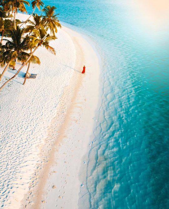 The St. Regis Maldives Vommuli Luxury Resort - Dhaalu Atoll, Maldives - Private Beach