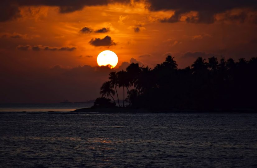 Six Senses Laamu Luxury Resort - Laamu Atoll, Maldives - Ocean Resort Sunset View