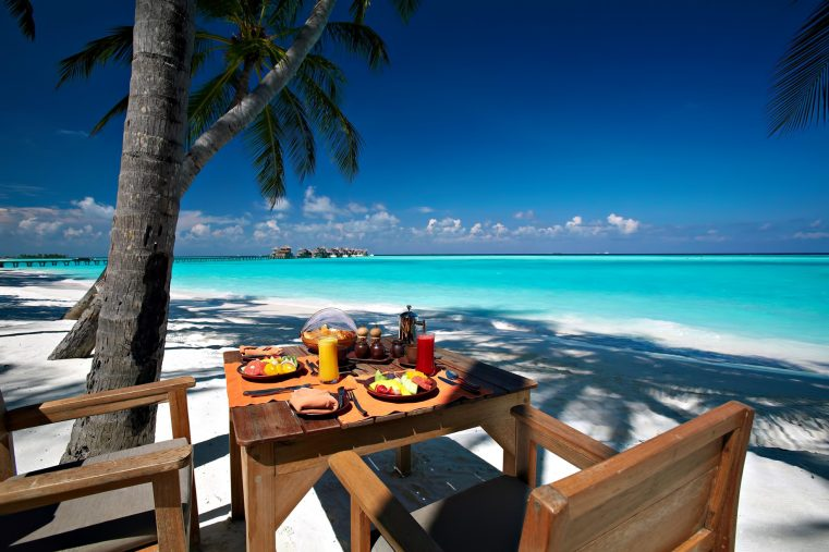 Gili Lankanfushi Luxury Resort - North Male Atoll, Maldives - Beach Table Oceanfront Dining