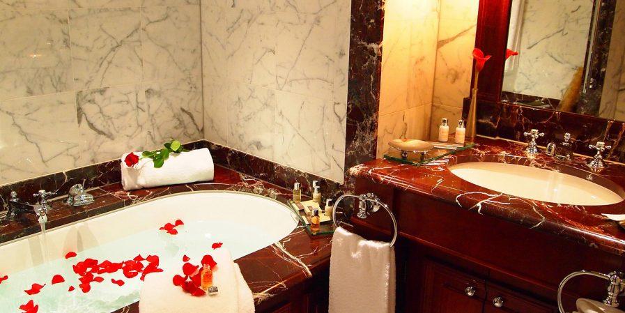 InterContinental Bordeaux Le Grand Hotel - Bordeaux, France - Executive Bathroom