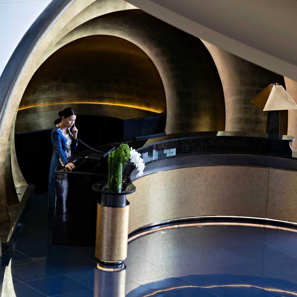 Burj Al Arab Luxury Hotel - Jumeirah St, Dubai, UAE - Front Desk