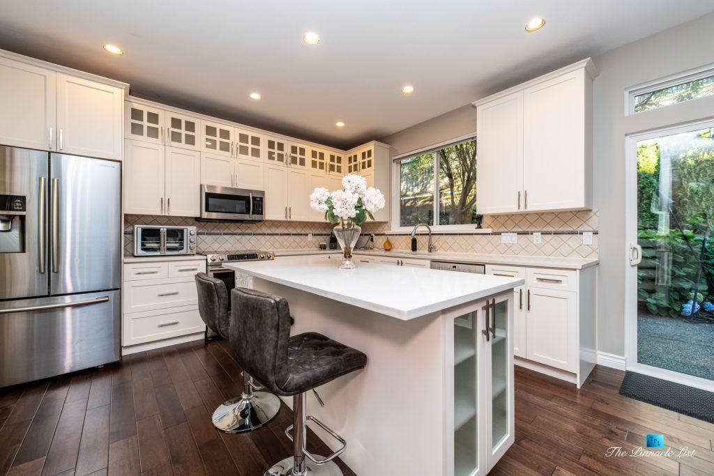 2366 Sunnyside Rd, Anmore, BC, Canada - Kitchen Island