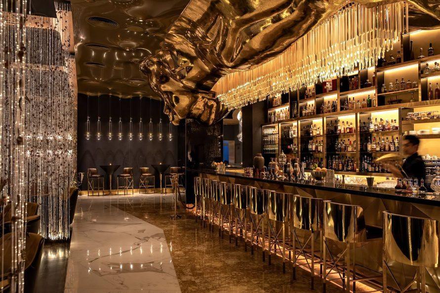 Burj Al Arab Luxury Hotel - Jumeirah St, Dubai, UAE - Gold on 27