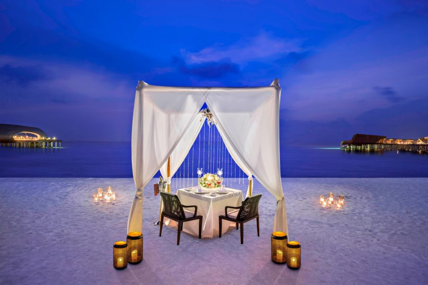 The St. Regis Maldives Vommuli Luxury Resort - Dhaalu Atoll, Maldives - Romantic Beach Dinner