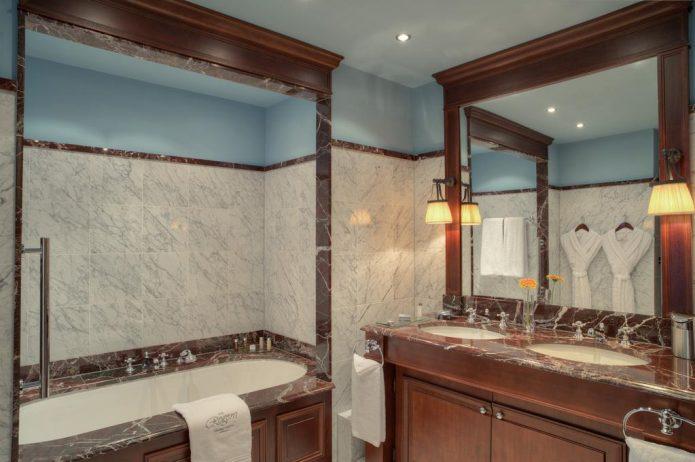 InterContinental Bordeaux Le Grand Hotel - Bordeaux, France - Guest Bathroom