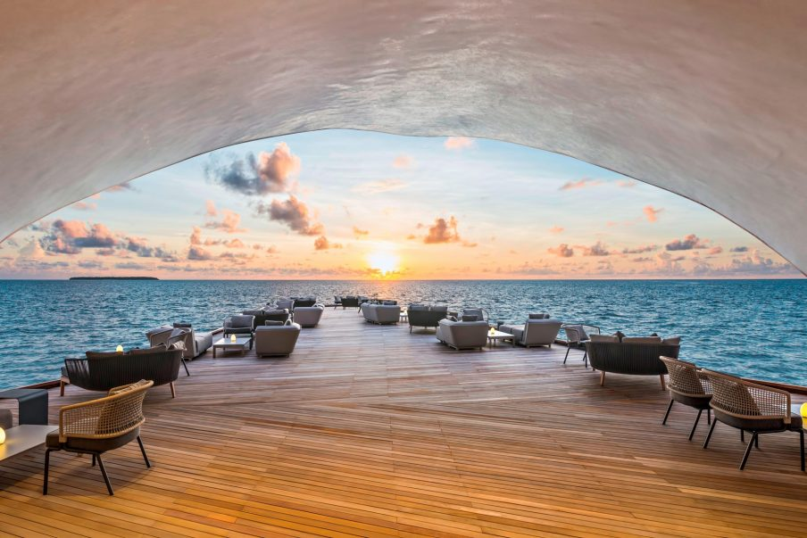 The St. Regis Maldives Vommuli Luxury Resort - Dhaalu Atoll, Maldives - The Whale Bar Deck